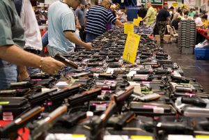 800px-houston_gun_show_at_the_george_r_brown_convention_center