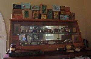 W R Case & Sons Cutlery Display